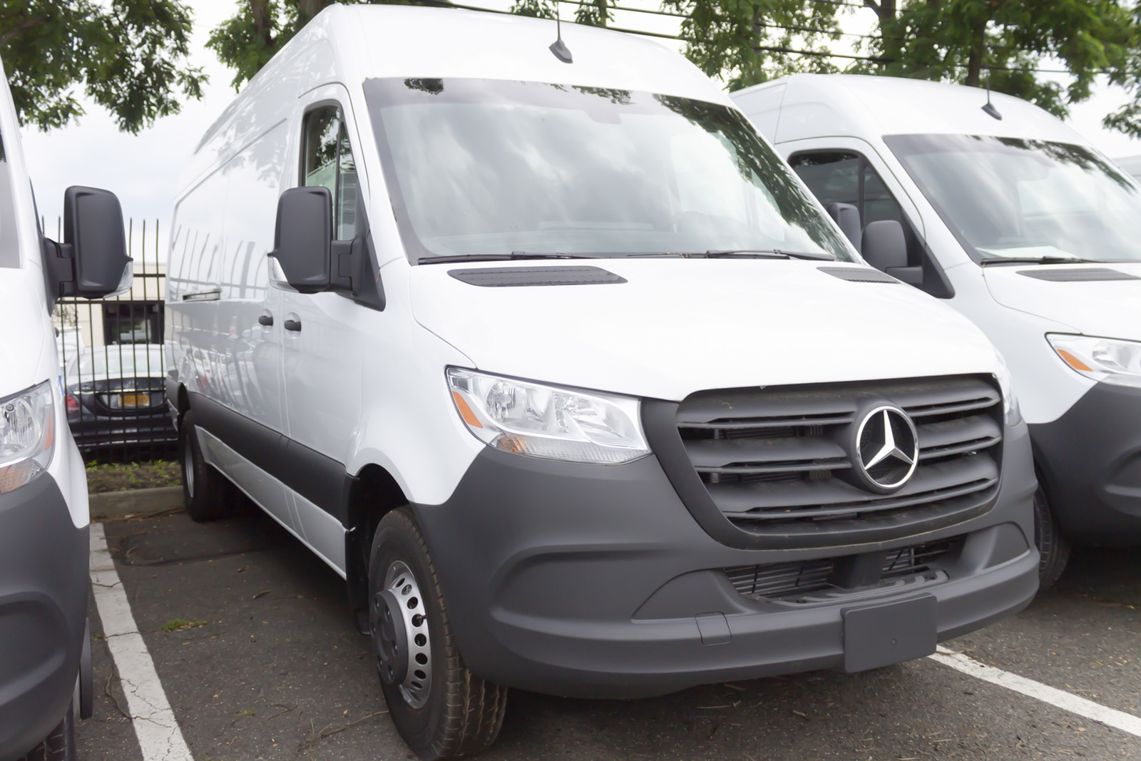 New 2019 Mercedes-Benz Sprinter 3500XD High Roof V6 170 RWD